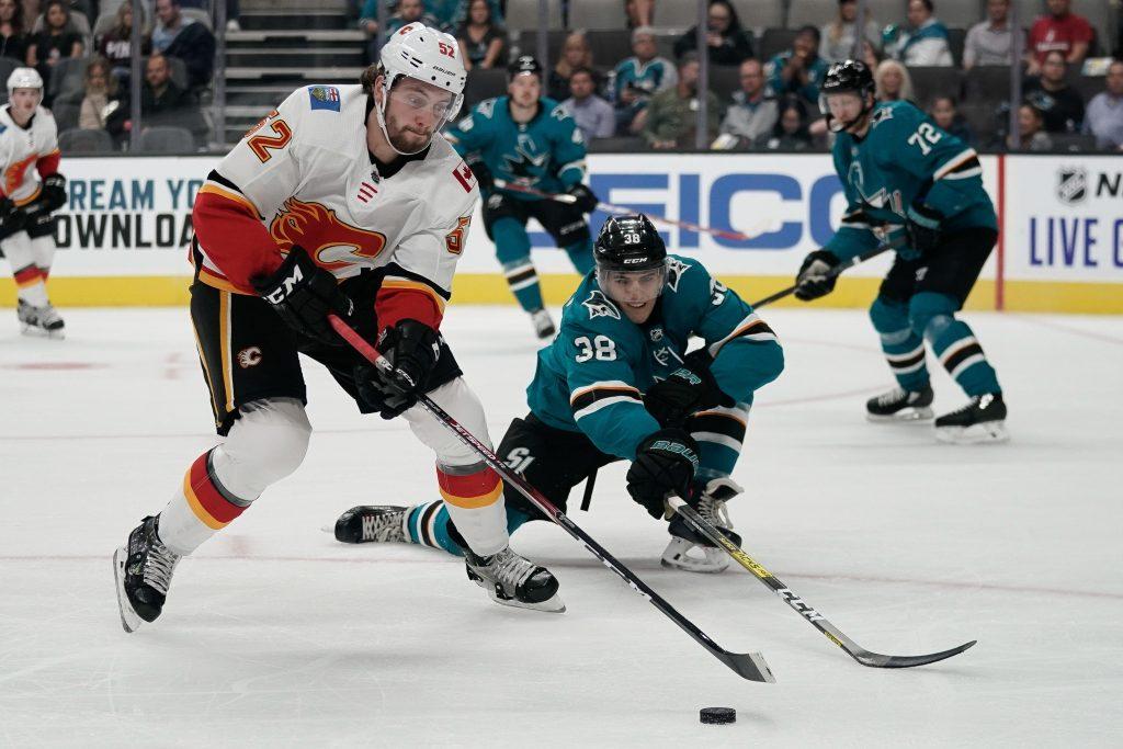 Calgary Flames Re-Sign Justin Kirkland